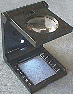 Lighted Linen Count Magnifier