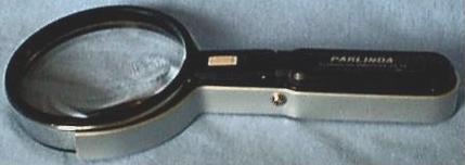 Freestanding or Handheld Magnifier